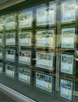 La vitrine de notre agence s'antoni immobilier du cap d'agde S'antoni immobilier agde