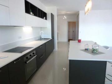 Vendeuse d'un appartement à nice S'antoni immobilier