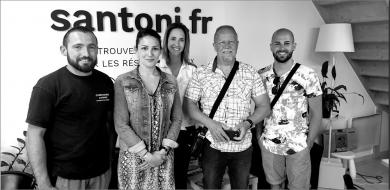 Heureux propriétaires à villeneuve-les-béziers remercie l'agence s'antoni S'antoni immobilier
