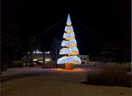 Illumination du sapin de noël 2018 de la ville d'agde - le cap d'agde Inter-med-immo34