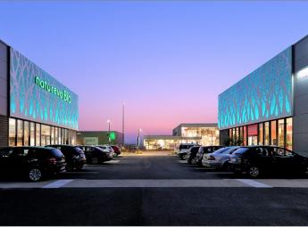 Création d'un parc commercial (ormes) D2m immobilier